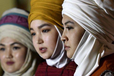 Женщинам в хиджабах запретили в Таджикистане посещать ЗАГСы и школы