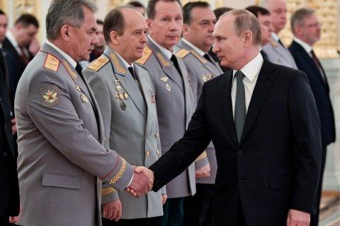 Путин хочет разрешит служить ближайшим генералам до 70 лет