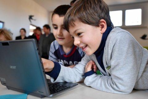 Детский омбудсмен предложила запретить регистрацию в соцсетях до 14 лет