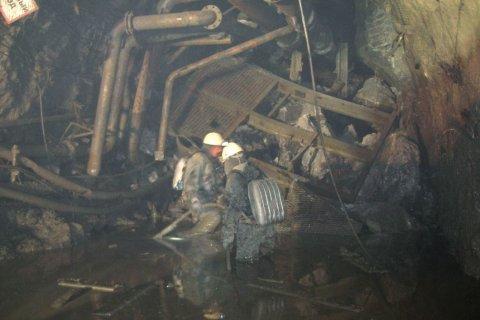 МЧС установило примерное местонахождение шахтеров, заблокированных на руднике «Мир»