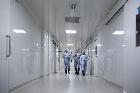 Опрос: Российские врачи массово навязывают платные услуги