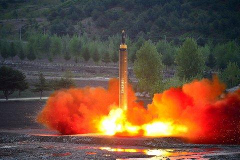 Северная Корея и США пригрозили друг другу ядерными ударами. Чем это грозит России?