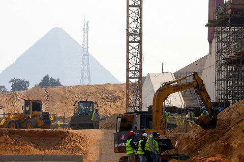 Россия предоставит Египту льготный кредит в $25 млрд на строительство АЭС. Деньги возьмут из Фонда Национального благосостояния