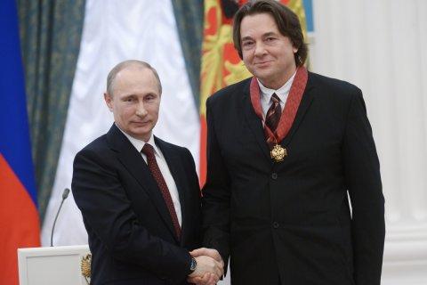 Путин на день рождения гендиректора «Первого канала» сделал его полным кавалером ордена «За заслуги перед Отечеством»
