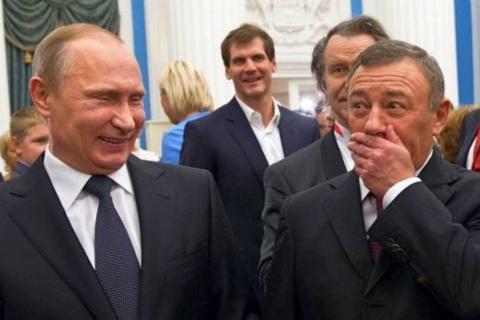 Друг Путина, олигарх Аркадий Ротенберг объявил себя владельцем «дворца в Геленджике»