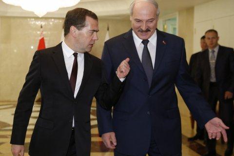 Медведев и Лукашенко поспорили о «чужих войнах». Подробности