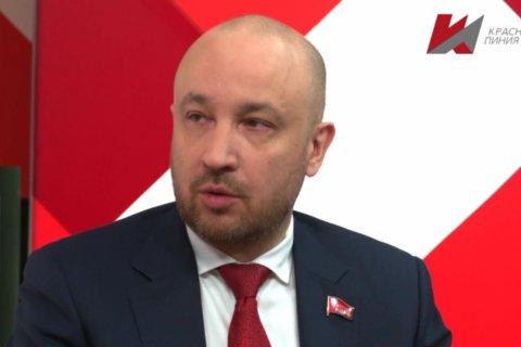 Кандидат КПРФ Михаил Щапов первым сдал подписи для прохождения «муниципального фильтра» перед выборами губернатора Иркутской области