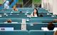 Опрос: Половина россиян не верит официальной статистике по коронавирусу