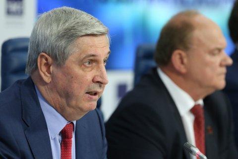 Полиция заблокировала кабинет первого вице-спикера Госдумы, заместителя главы КПРФ Ивана Мельникова перед подачей исков по электронному голосованию