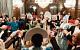 Глава ритуальной службы Москвы отметил годовщину свадьбы в русском стиле с балалайками и цыганами