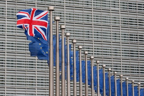 Европарламент призвал Англию выйти из Евросоюза побыстрее