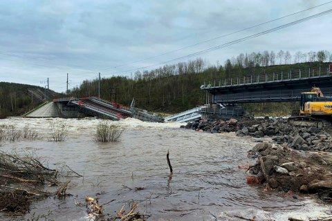 Железнодорожное сообщение с Мурманской областью прервано из-за рухнувшего моста
