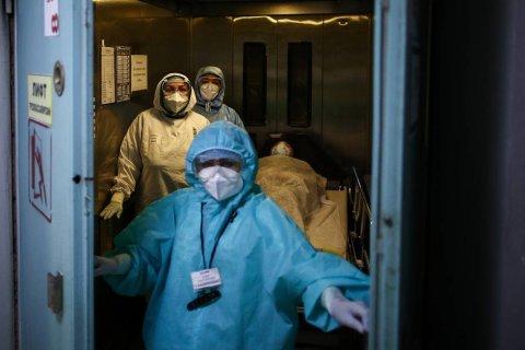 В России впервые выявили более 18 тысяч заболевших коронавирусом за сутки