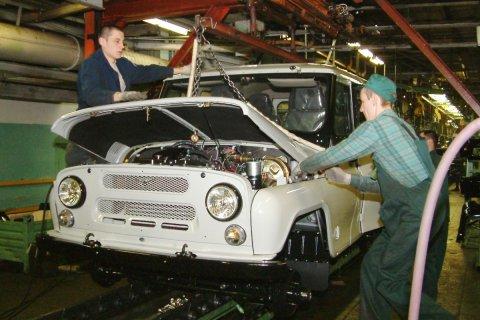 Заголовок: УАЗ увольняет рабочих-активистов