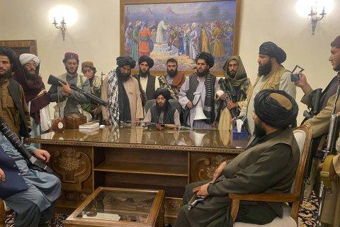 Россия отказалась эвакуировать посольство из Кабула и уверена в хороших отношениях с «новым руководством» Афганистана