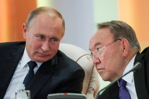 За отсутствие положительных изменений в экономике и росте доходов граждан правительство отправлено в отставку… в Казахстане. (А разве не за это в России награждают медалями?)