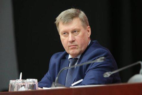 В Новосибирске, по опросам, в предвыборной гонке уверено лидирует коммунист Анатолий Локоть