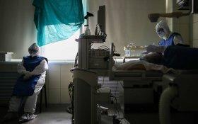 В России впервые с июня выявили более 8 тысяч новых зараженных коронавирусом. Власти твердят, что это не «вторая волна»