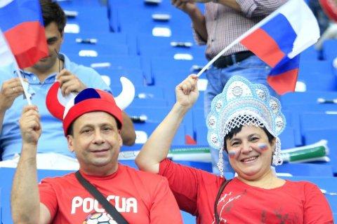 Опрос: Половина россиян не следит за внешней политикой России
