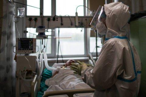 Число умерших от коронавируса в России за десять дней выросло на 5 тысяч человек