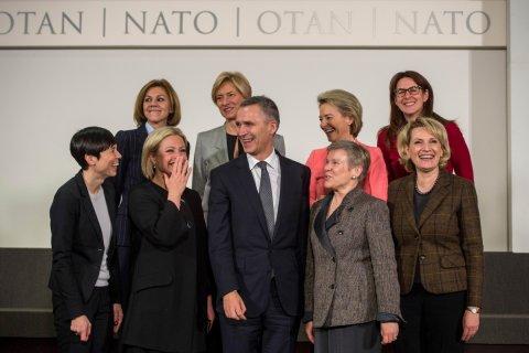 Военный бюджет НАТО достиг 892 млрд долларов