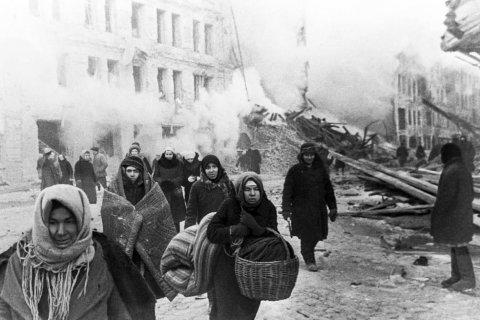 Геннадий Зюганов ответил писательнице, обвинившей Сталина в блокаде Ленинграда