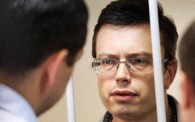Осужденного на пять лет генерала-следователя за взятку в миллион долларов освободили через 9 месяцев