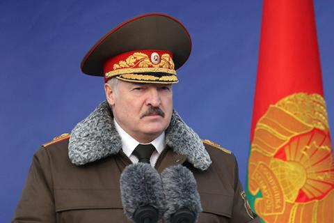Лукашенко обвинил «змагаров» в попытках уничтожить Белоруссию