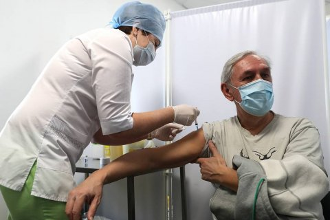 В России полностью курс вакцинации против коронавируса прошли 3,5 млн человек