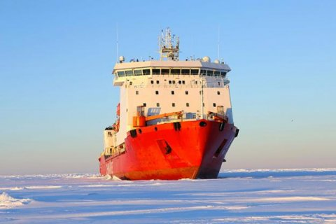 В КПРФ заявили, что России нужно форсировать развитие Арктики по методике Госплана