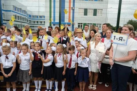 В школе Краснодара для обозначения первых классов едва хватило алфавита