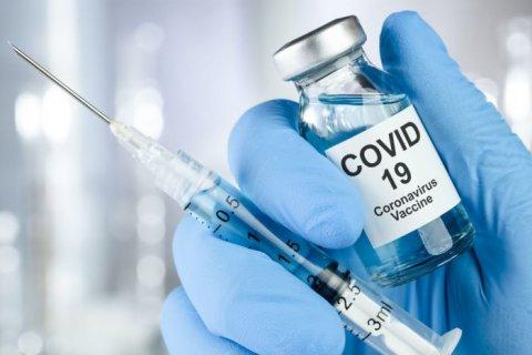 Путин распорядился начать масштабную вакцинацию от COVID-19 со следующей недели