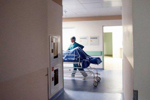 Министр здравоохранения признал, что врачи не способны к сочувствию и из-за ошибок врачей ежегодно получают тяжелые осложнения или умирают 70 тысяч человек