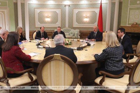 Белоруссия готова обсуждать с Западом реформы