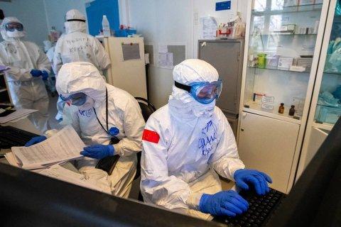 Количество смертей от коронавируса в России превысило 3 тысячи человек