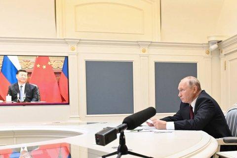 Путин заявил, что рассчитывает на диалог Компартии Китая с российскими партиями