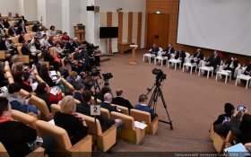"""Нас все меньше... Репортаж газеты """"Правда"""" с парламентских слушаний"""