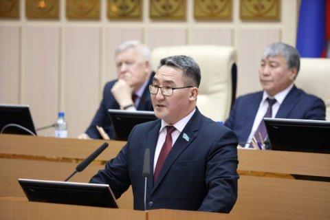 Спикер госсобрания Якутии поставил под сомнение законность поправок в Конституцию