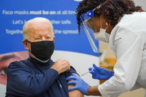 В США прививки от коронавируса сделали 75% граждан старше 65 лет
