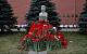 В 140-ю годовщину со дня рождения И.В. Сталина коммунисты возложили цветы к его могиле у Кремлевской стены