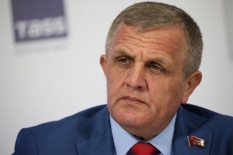 В КПРФ предлагают наказывать чиновников штрафами за оскорбляющие россиян высказывания