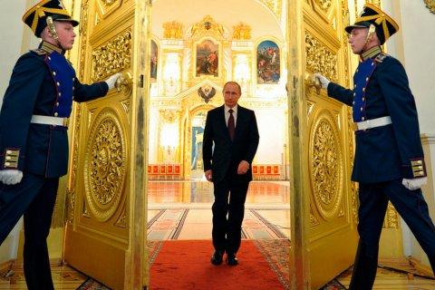 «Мне не нужно». Как Путин отвечал на вопрос, хочет ли остаться президентом