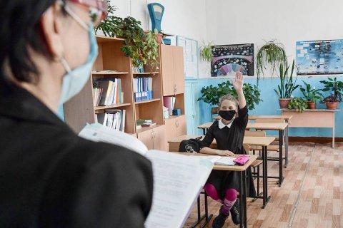Детей в России пока не будут прививать от коронавируса
