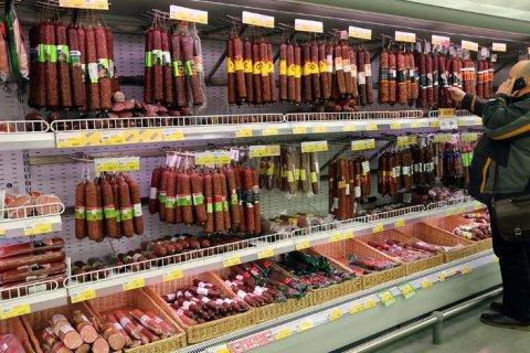 Производители мясных изделий просят правительство помочь повысить цены