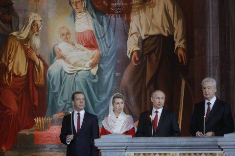 Реакция на опрос по отношению к Медведеву. Пресс-секретарь президента — изучим. Пресс-секретарь премьера — это заказ