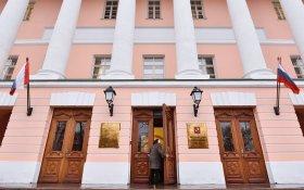 На выборах в московскую думу провластные кандидаты будут скрывать связь с «Единой Россией» и им разрешили критиковать правительство
