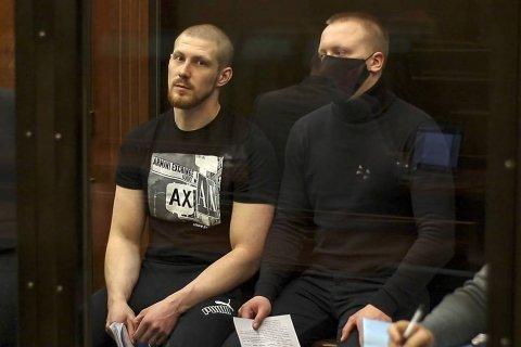Полицейские, подбросившие наркотики журналисту Ивану Голунову, получили от 5 до 12 лет лишения свободы