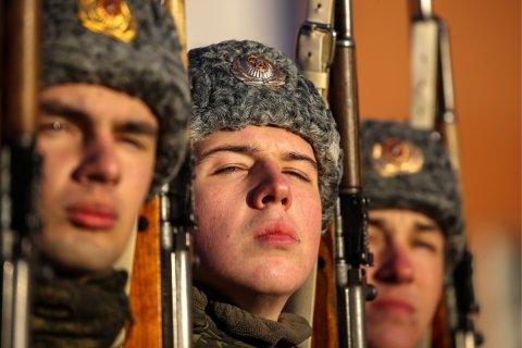 Опрос: Россияне уверены, что армия сможет защитить их в случае войны