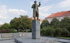 Президент Чехии назвал позором решение переместить памятник маршалу Коневу в Праге