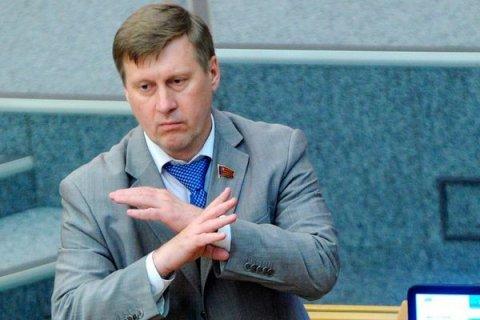 В Новосибирске против «красного мэра» Анатолия Локтя используют фейковые технологии